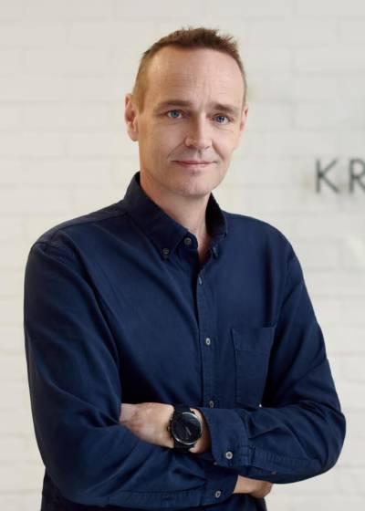 [:pl]John Kristensen[:]